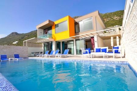 kapalı havuzlu, saunalı, jakuzili tatil villası
