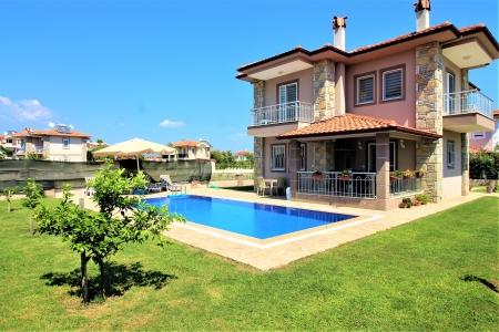 Villa KibeleDalyan da konumlanmış 4 yatak odalı tatil villası